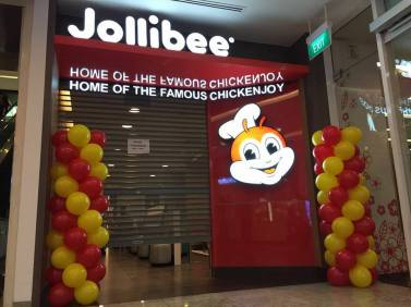Balloon columns for Jollibee Singapore balloon decoration