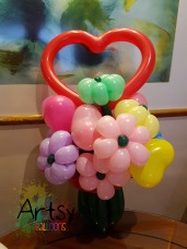 Heart shape flower bouquet balloon sculpture