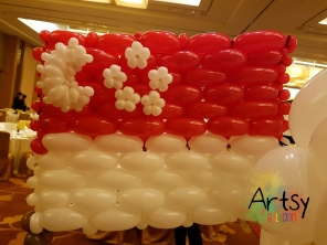 Balloon Sculpting Singapore for birthday parties and events balloon Singapore flag