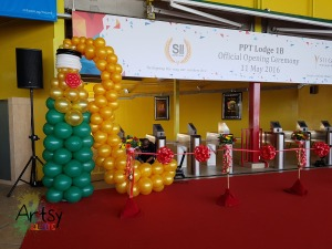 , Grand wine balloon sculpture for grand opening!, Singapore Balloon Decoration Services - Balloon Workshop and Balloon Sculpting