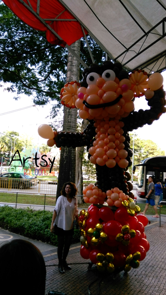 , Huge balloon monkey for Chingay Singapore!, Singapore Balloon Decoration Services - Balloon Workshop and Balloon Sculpting
