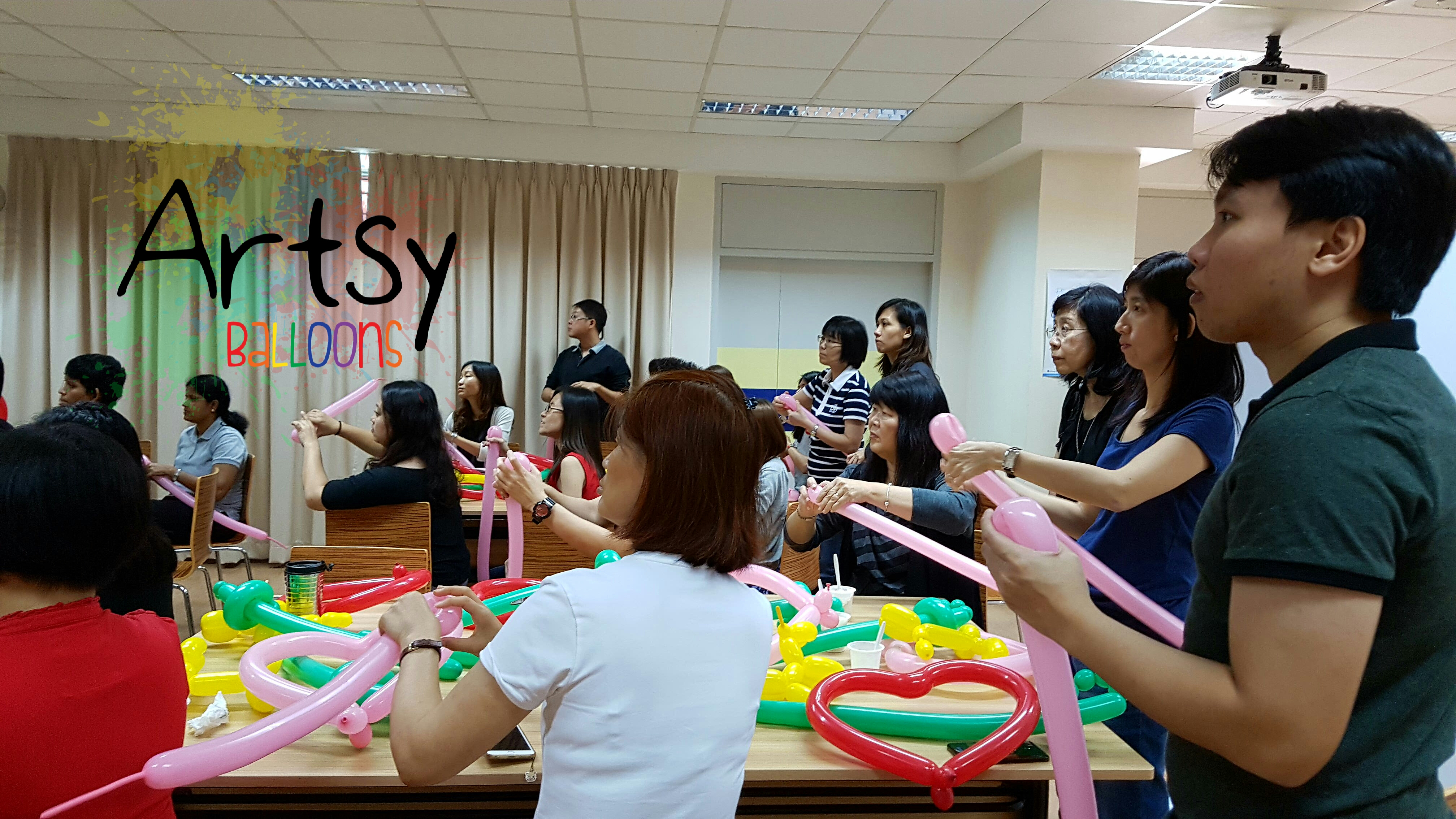 Balloon courses and workshops singapore balloon for Balloon decoration courses dvd