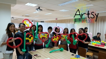 Balloon sculpting workshop 1