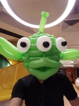 lego-minifig-balloon-green-alien-ouji-wearing-as-head-2