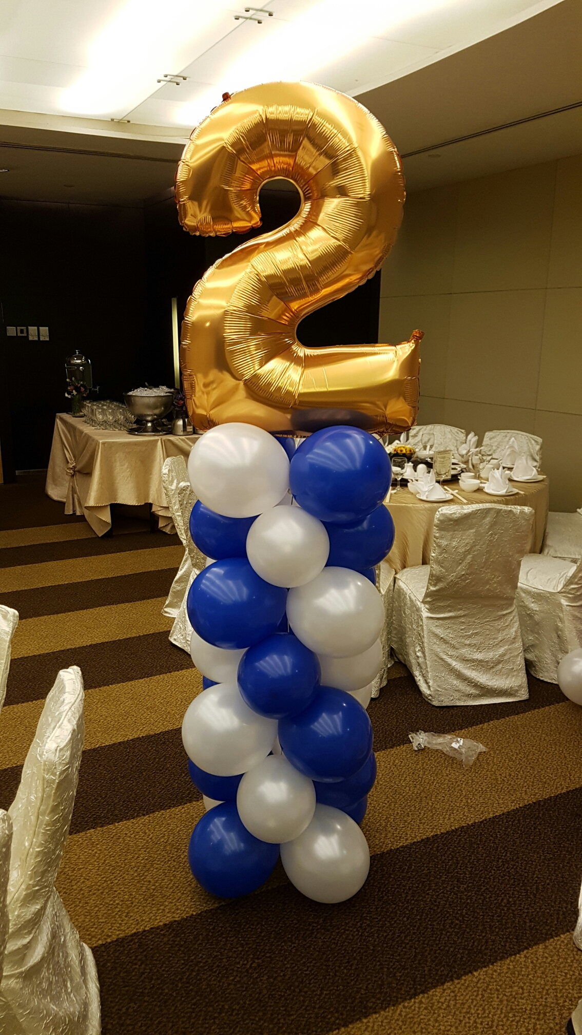 , Balloon Columns for corporate dinner and dance, Singapore Balloon Decoration Services - Balloon Workshop and Balloon Sculpting