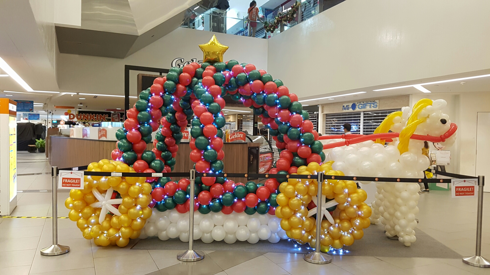 , Another Christmas mall project for sunplaza shopping center!, Singapore Balloon Decoration Services - Balloon Workshop and Balloon Sculpting