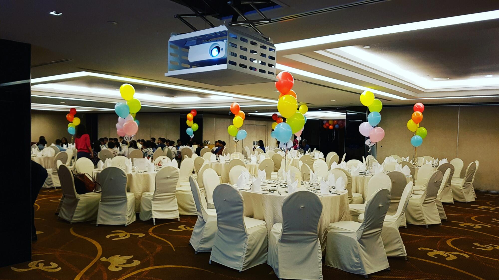 , ?Helium balloon decoration Singapore, Singapore Balloon Decoration Services - Balloon Workshop and Balloon Sculpting