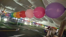 rainbow ballons round decorations