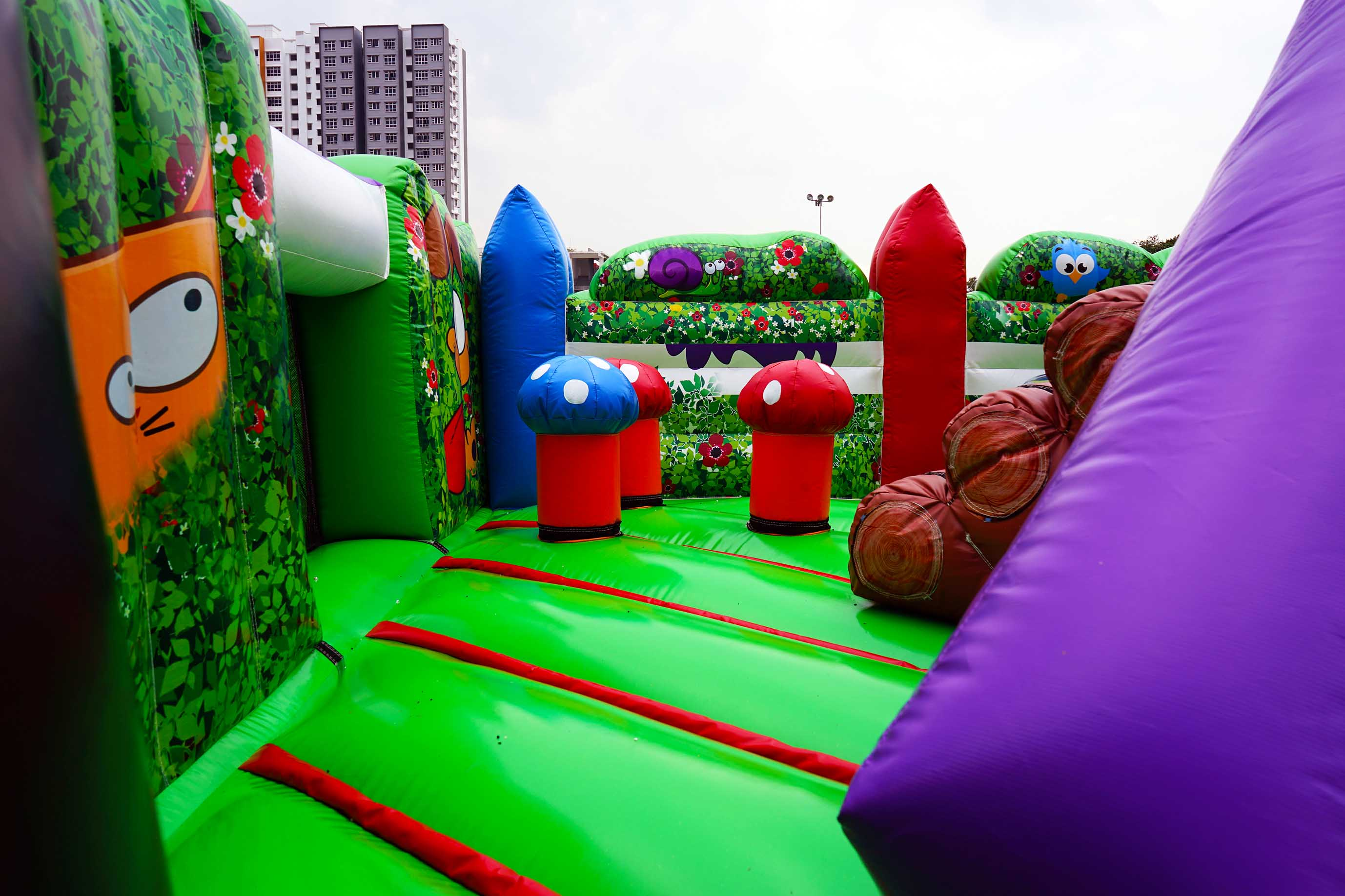 backyard fun bouncy castle 2 artsyballoons singapore balloon