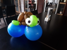 Bunch of sea creature balloon table centerpiece balloon sculpture turtle Balloon Sculpture table centerpiece decoration singapore