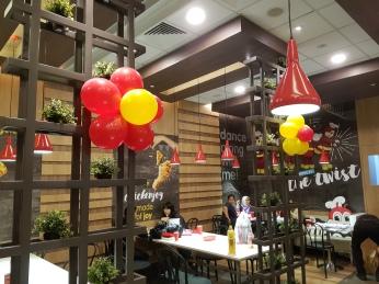 Setting up balloon decoration for Jollibee singapore (6)