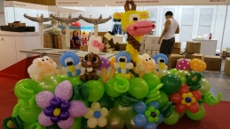 Animal themed balloon backdrop display singapore (4)