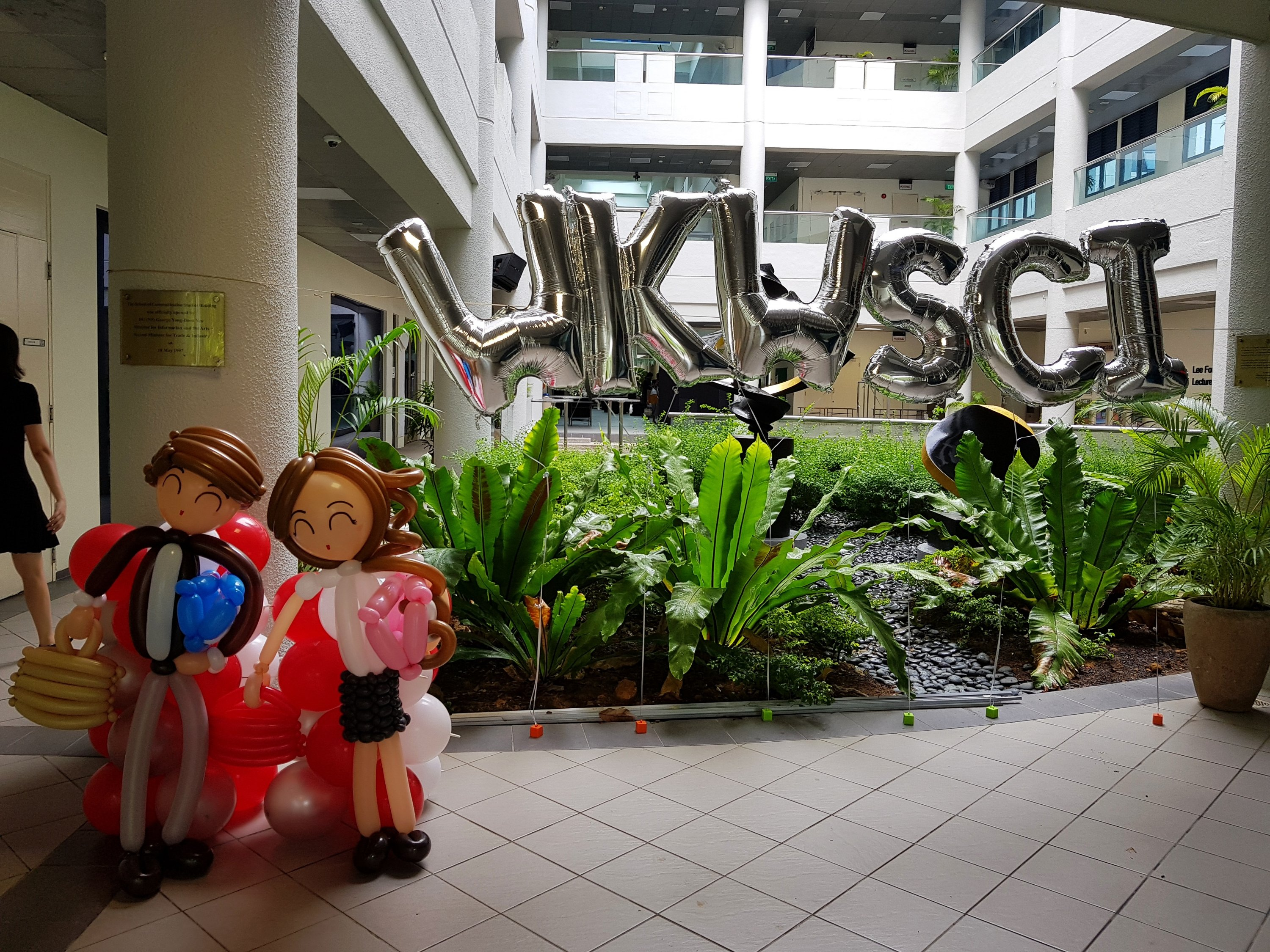 , Balloon Decorations for NTU, Wee Kim Wee School of Communication and Information!, Singapore Balloon Decoration Services - Balloon Workshop and Balloon Sculpting
