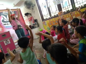, Birthday party event! Magic show + Balloon Sculpting!, Singapore Balloon Decoration Services - Balloon Workshop and Balloon Sculpting