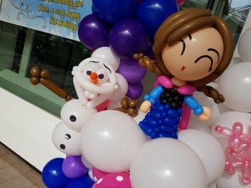 Elsa and Anna frozen theme balloon arch event decorations for birthday party.jpg