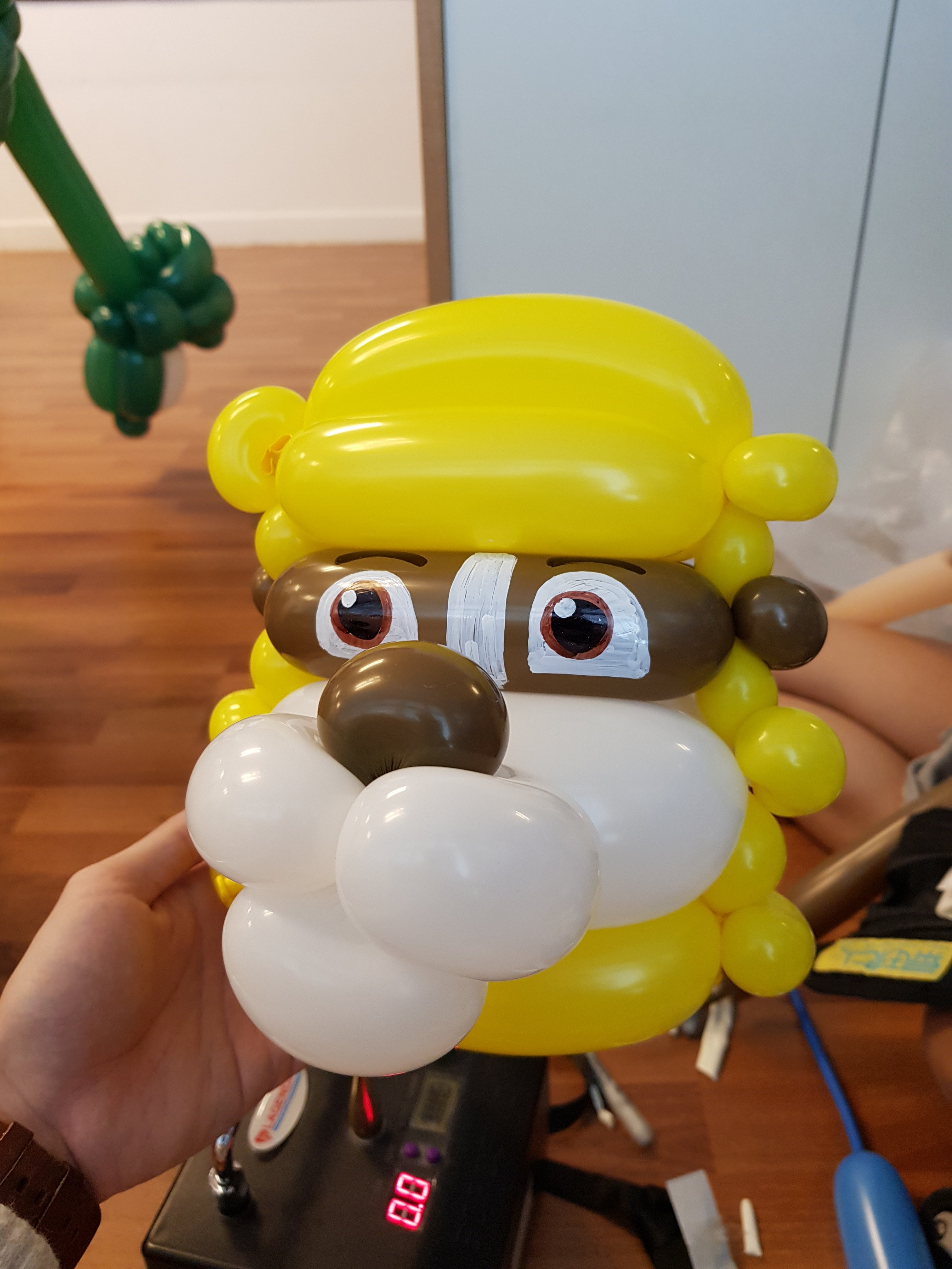 , Cartoon bracelet balloon sculpting by Jocelyn Balloons!, Singapore Balloon Decoration Services - Balloon Workshop and Balloon Sculpting
