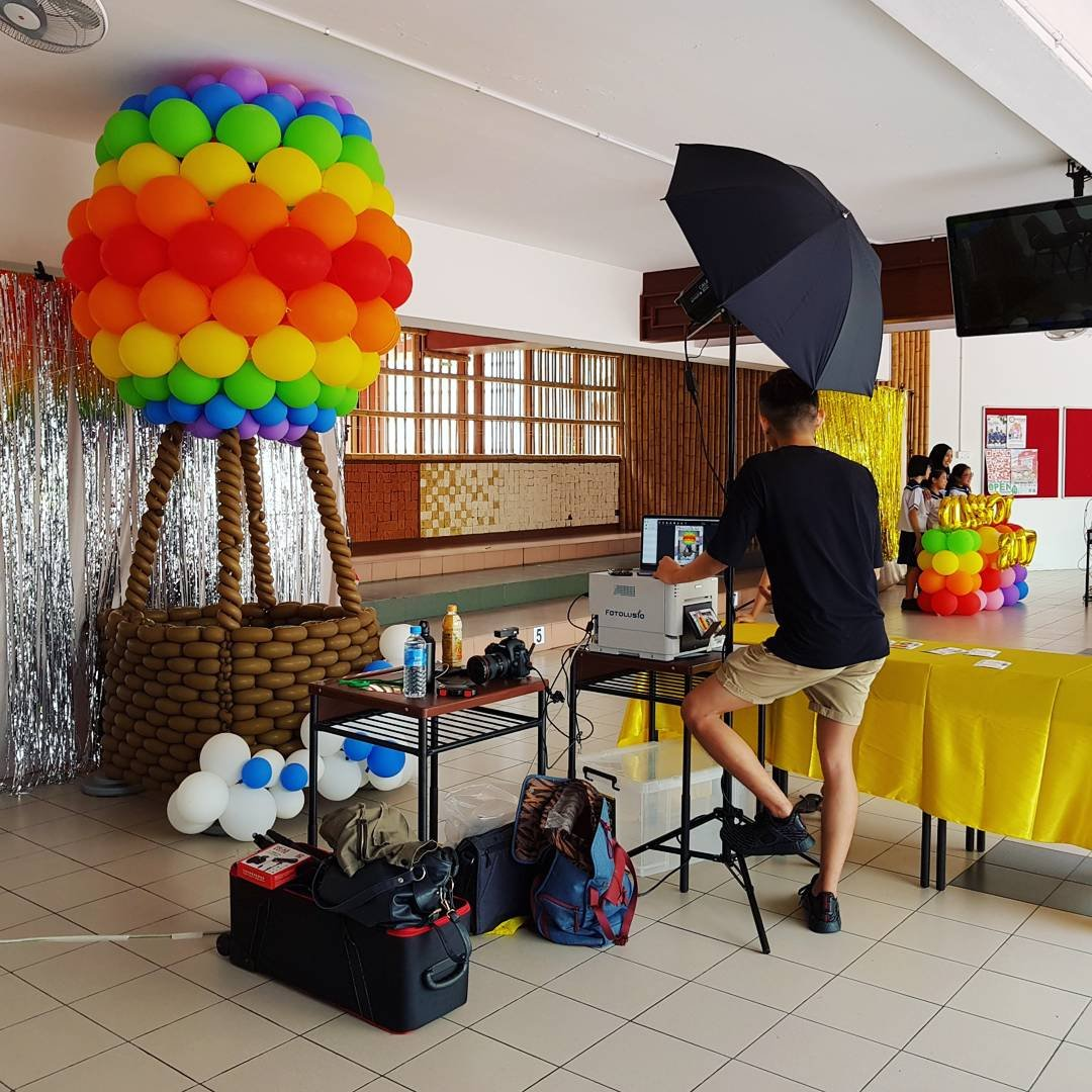 , Instant photo booth for a local primary school!, Singapore Balloon Decoration Services - Balloon Workshop and Balloon Sculpting