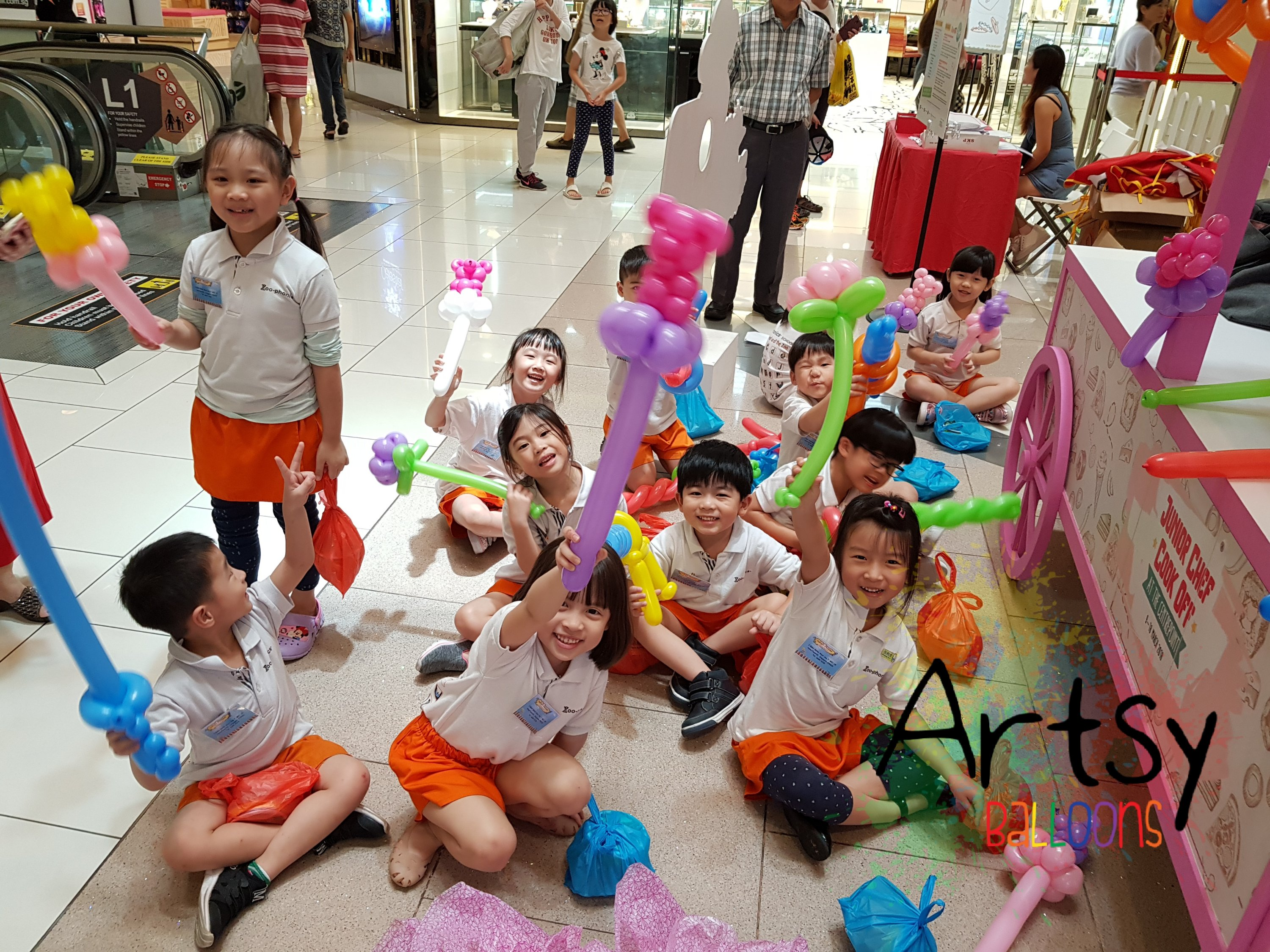 , Balloon sculpting station for the CenterPoint!, Singapore Balloon Decoration Services - Balloon Workshop and Balloon Sculpting