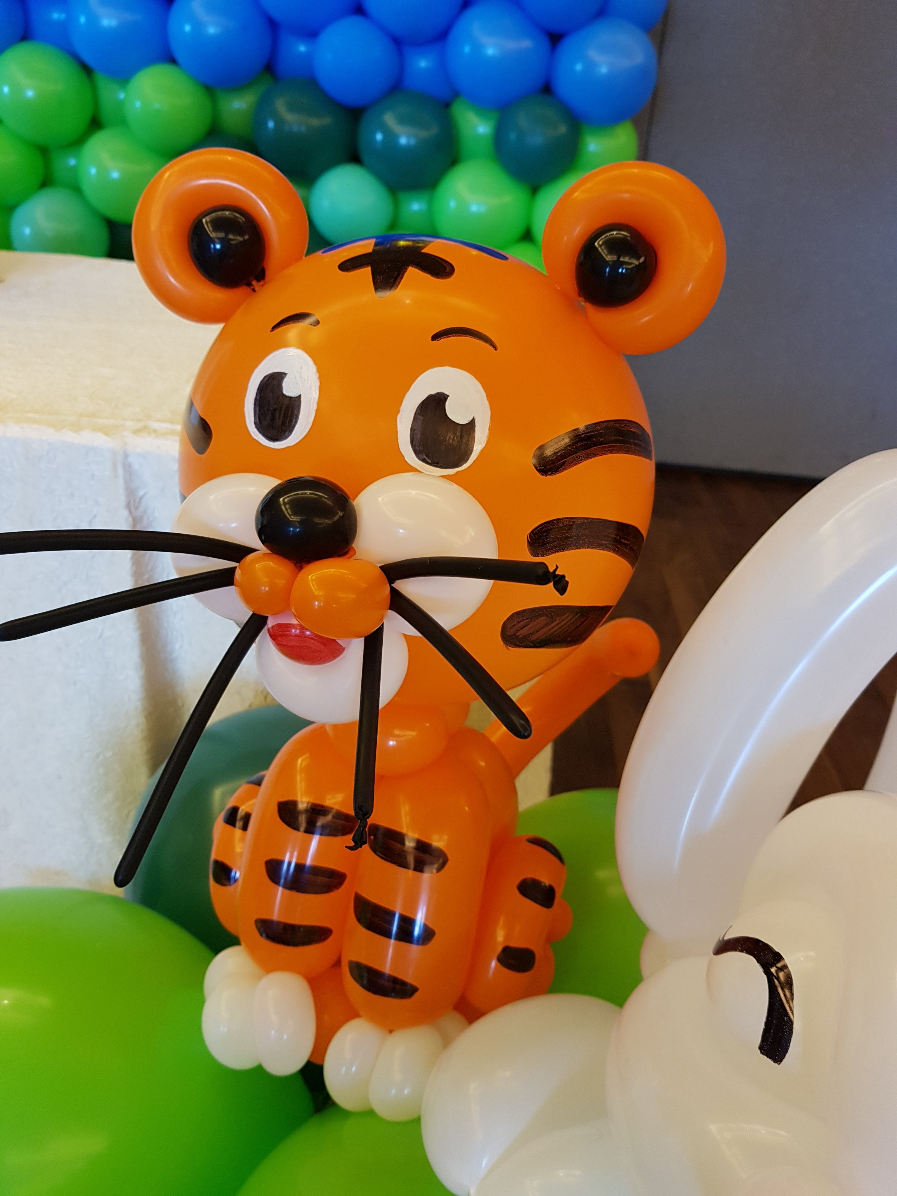 , Animal themed balloon backdrop for a birthday party!, Singapore Balloon Decoration Services - Balloon Workshop and Balloon Sculpting