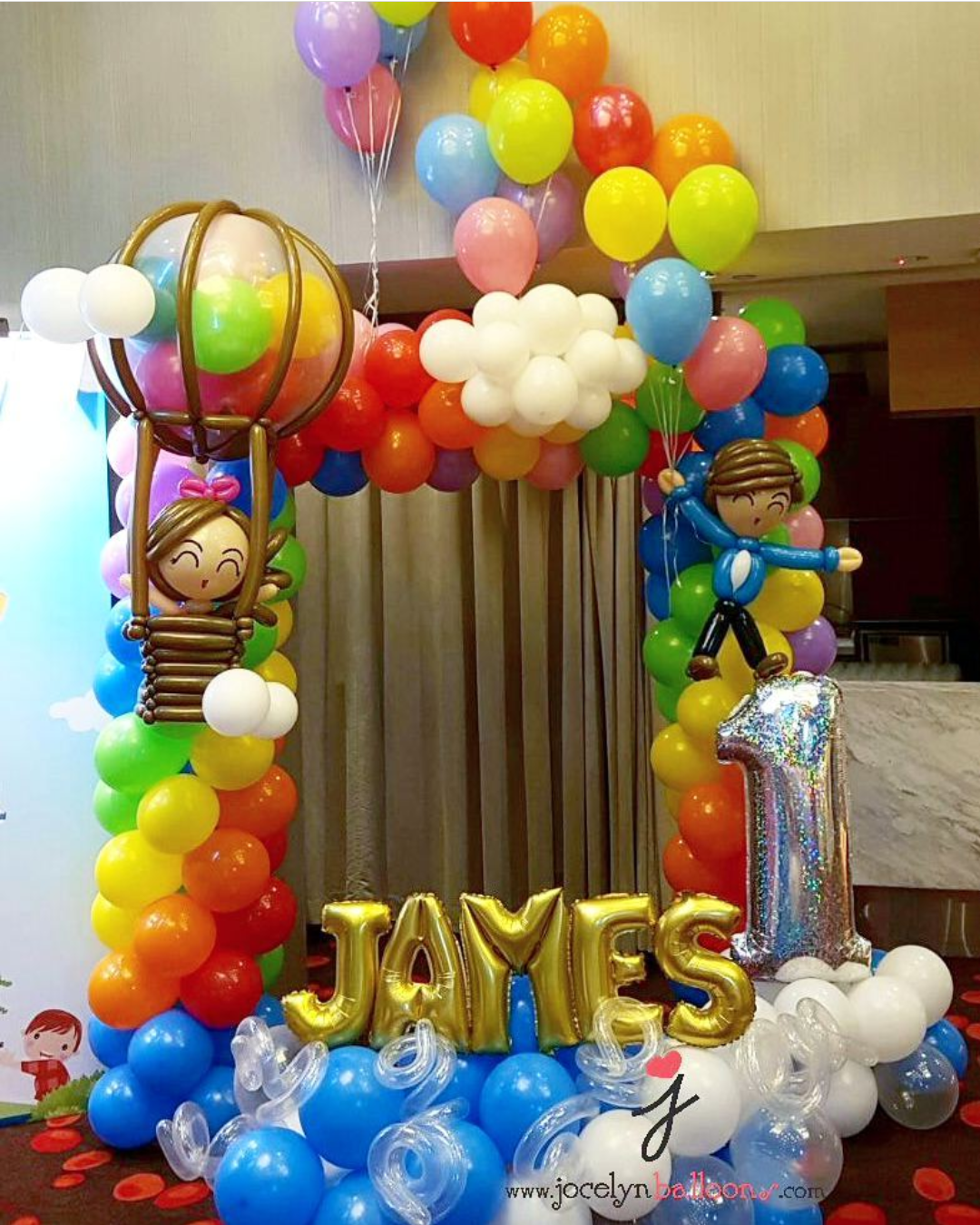 , A very unique rainbow balloon backdrop phtoobooth by Jocelyn Balloons!, Singapore Balloon Decoration Services - Balloon Workshop and Balloon Sculpting