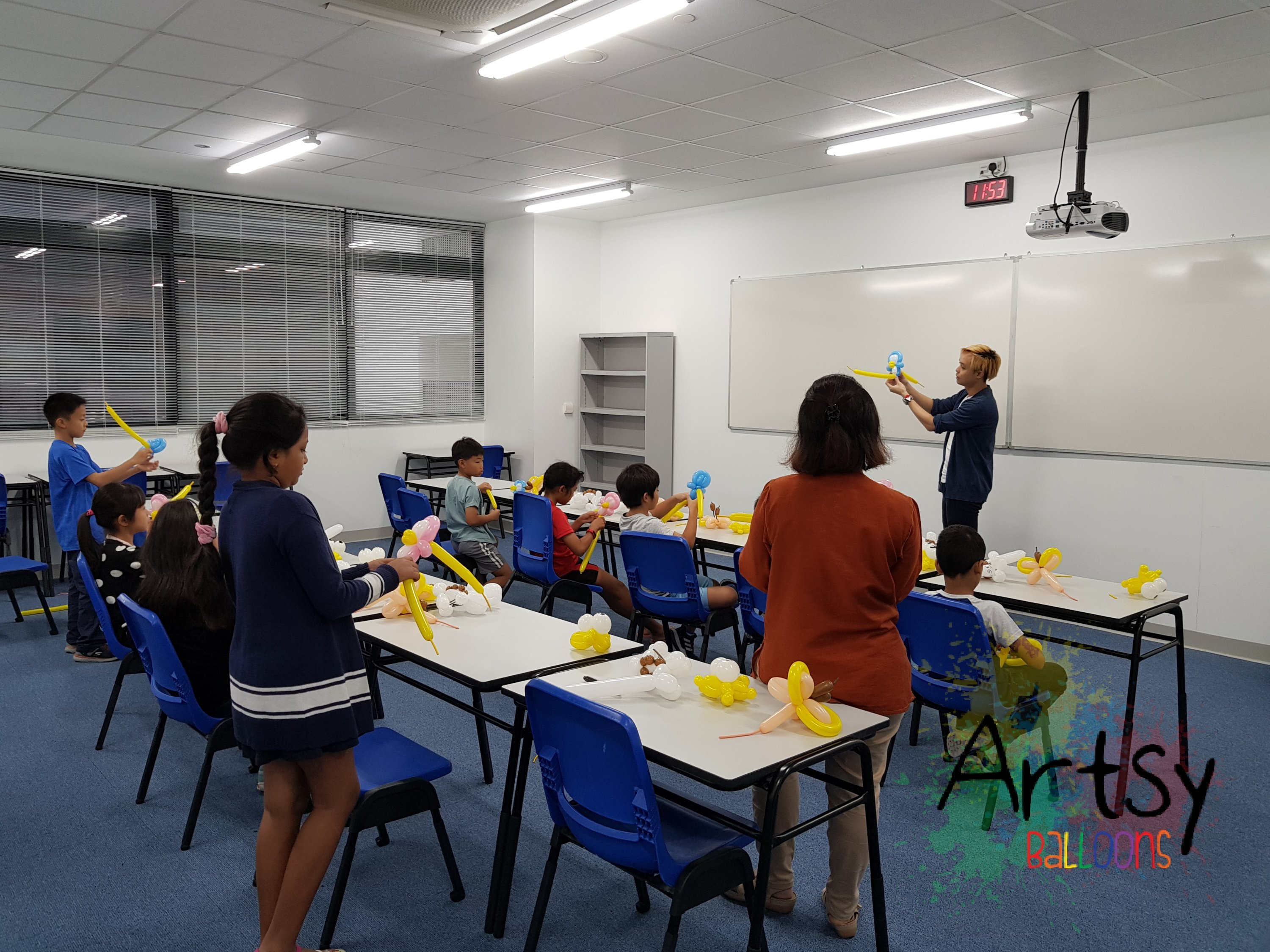 , Balloon Workshop for Overseas Family School!, Singapore Balloon Decoration Services - Balloon Workshop and Balloon Sculpting