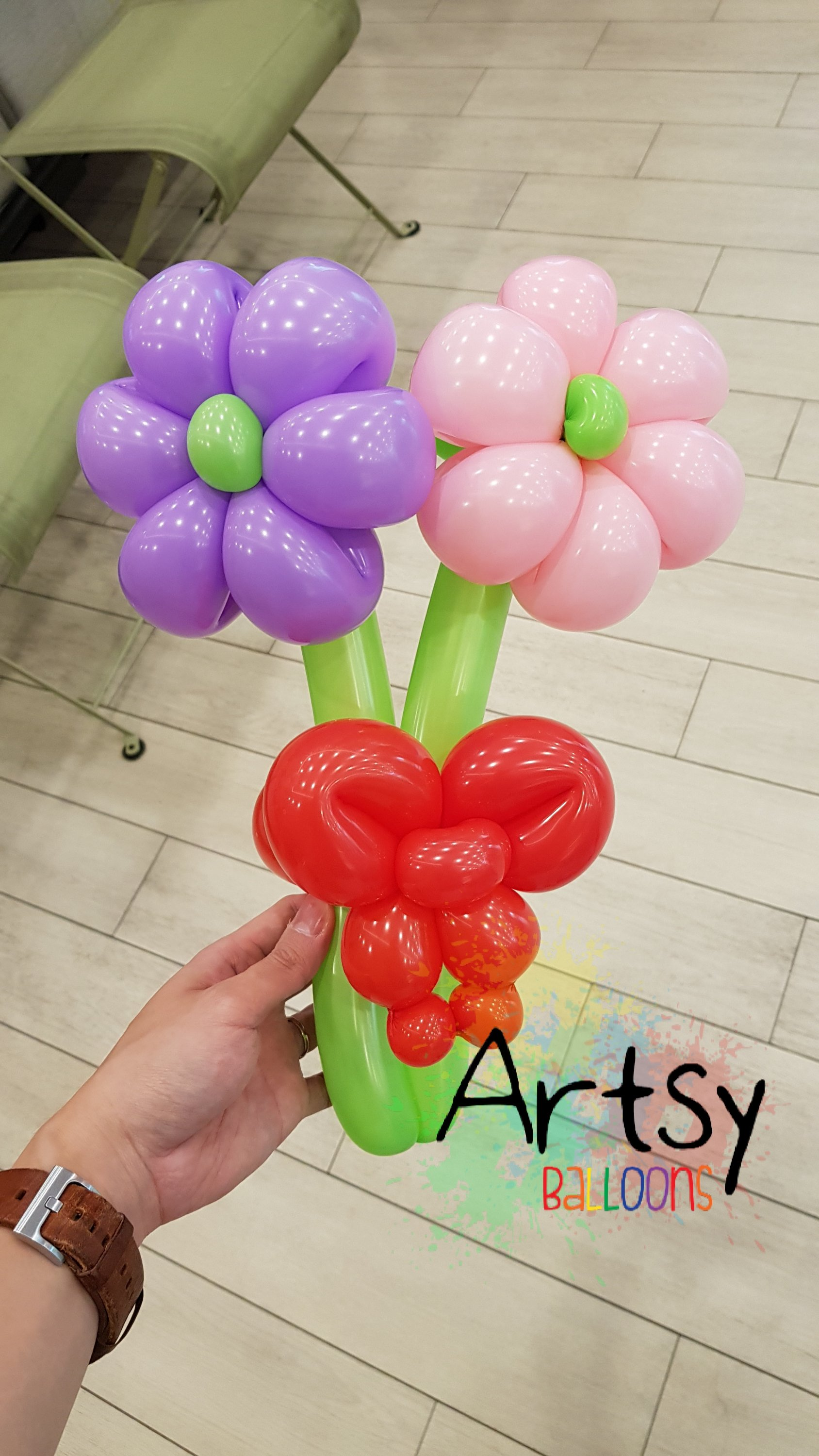 , Balloon sculpting for a birthday party!, Singapore Balloon Decoration Services - Balloon Workshop and Balloon Sculpting