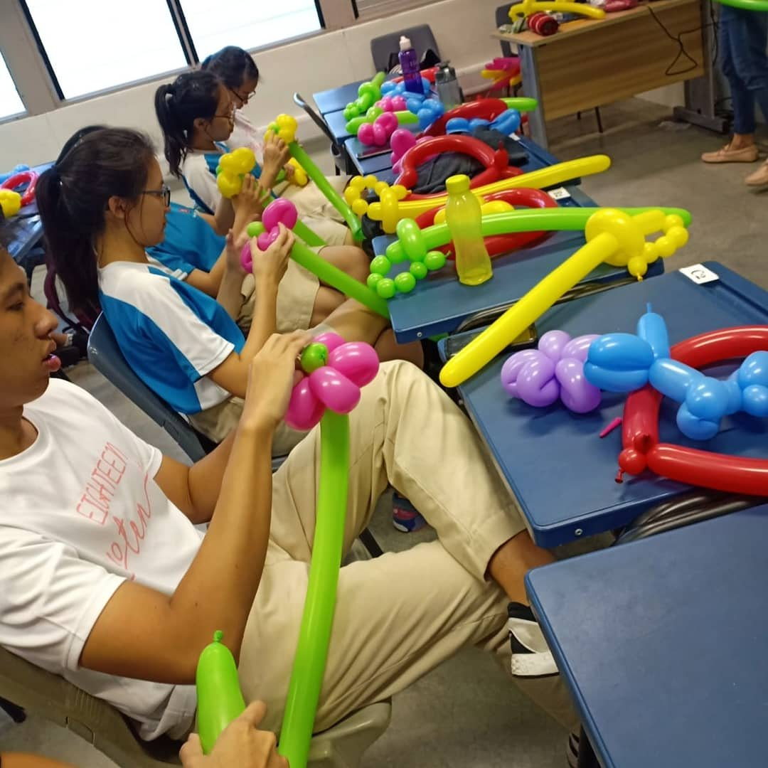 , Balloon workshop for Nanyang junior college!, Singapore Balloon Decoration Services - Balloon Workshop and Balloon Sculpting