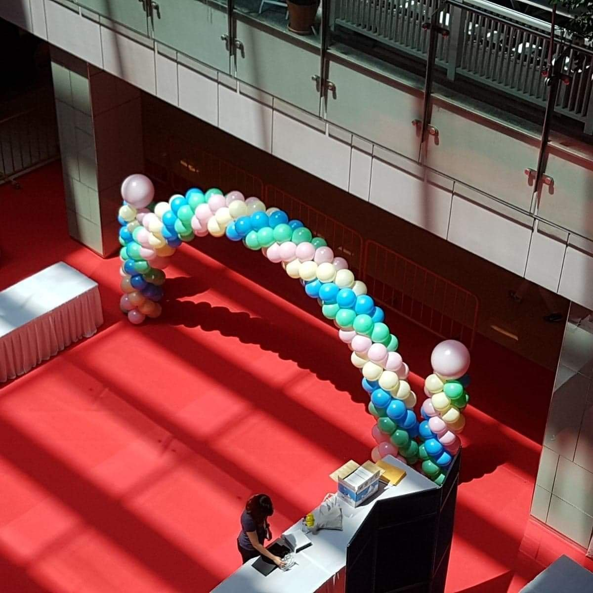 , Balloon Arch for shopping mall event!, Singapore Balloon Decoration Services - Balloon Workshop and Balloon Sculpting