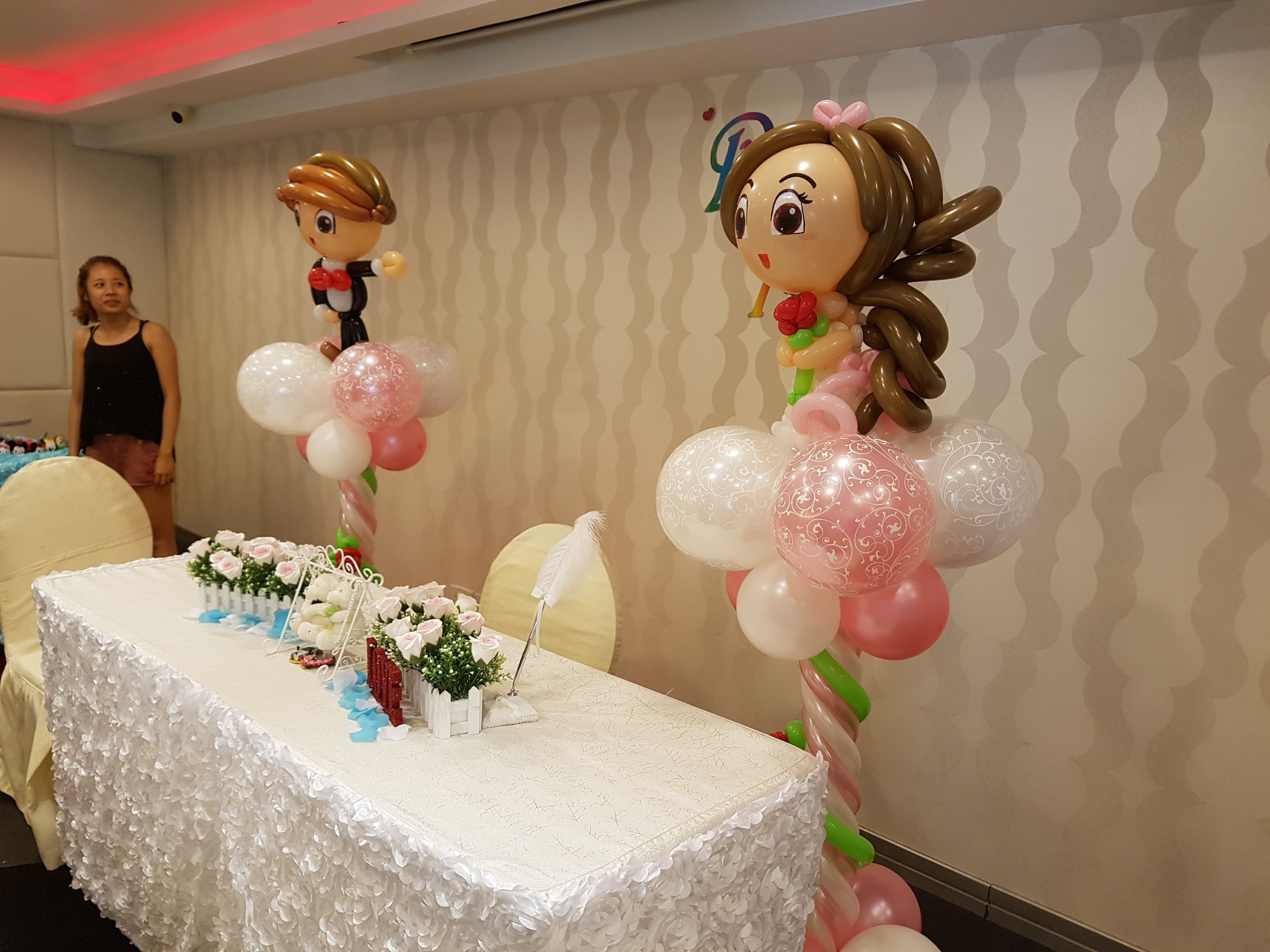 , Cute and elegant balloon decorations for wedding ceremony / solemnization!, Singapore Balloon Decoration Services - Balloon Workshop and Balloon Sculpting