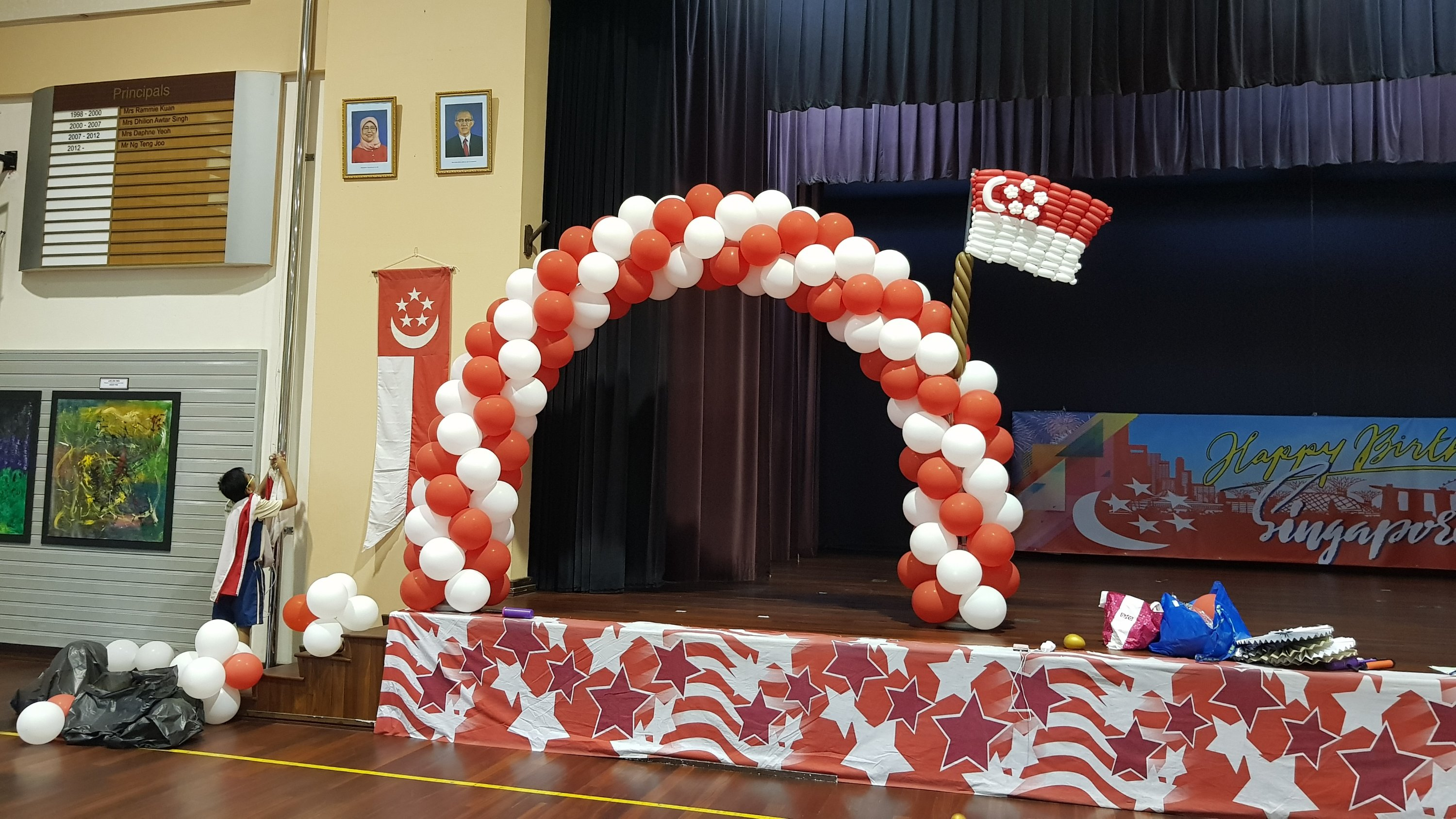 , Singapore national day balloon decorations!, Singapore Balloon Decoration Services - Balloon Workshop and Balloon Sculpting