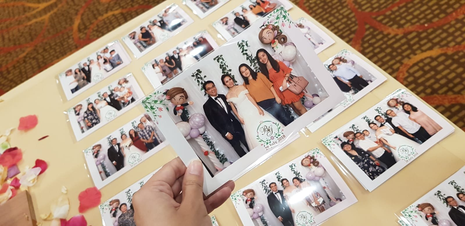 , Singapore instant print photobooth service, Singapore Balloon Decoration Services - Balloon Workshop and Balloon Sculpting