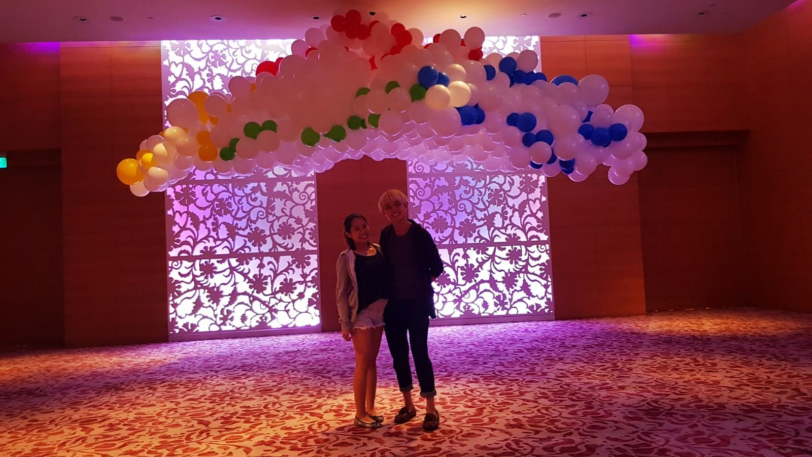 , Balloon cloud display for Google, Singapore Balloon Decoration Services - Balloon Workshop and Balloon Sculpting