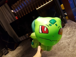 Bulbasaur Pokemon balloon sculpture