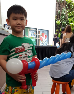 Balloon Sculpting Singapore gun