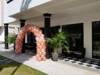 Balloon decorations for Singapore Hotel