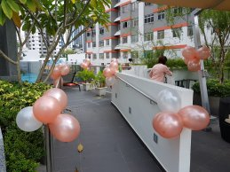 Round balloon decorations
