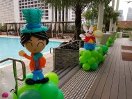Mad Hatter balloon sculpture balloon decorations