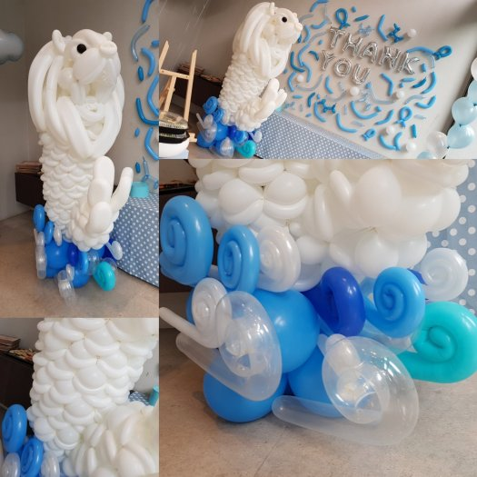 Merlion balloon sculpture