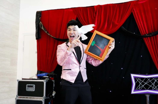 Magic_show_for_birthday_parties_singapore.png