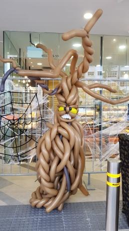 Monster Tree balloon sculpture for halloween balloon decorations