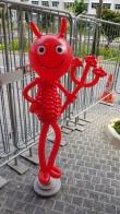 Red devil balloon sculpture for halloween balloon decorations