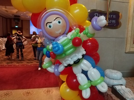 Buzz lightyear balloon sculpture