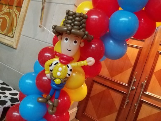 Woody toy Story balloon sculpture