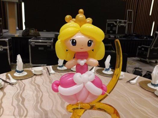 Princess peach Balloon sculpture Table Centerpiece