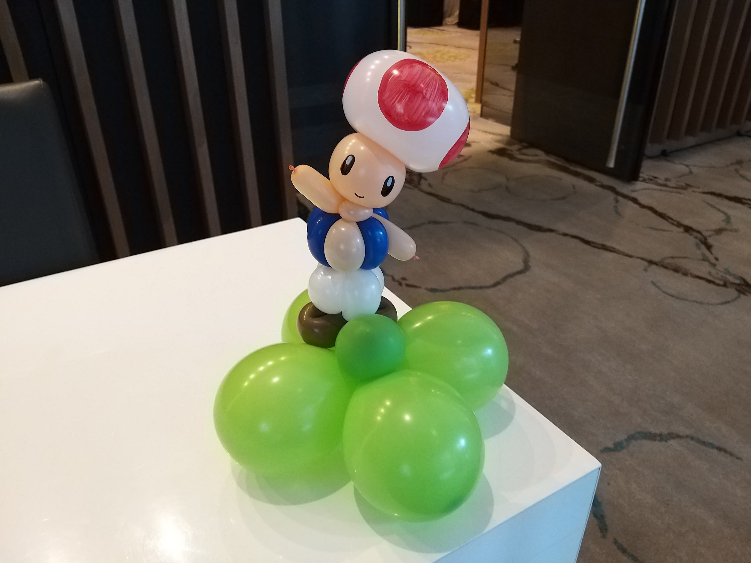 , Super Mario themed balloon table centerpieces decorations, Singapore Balloon Decoration Services - Balloon Workshop and Balloon Sculpting