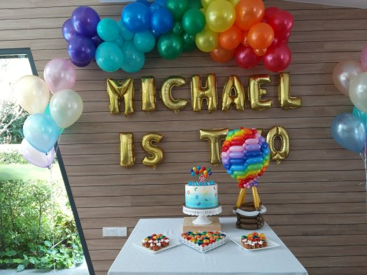 Birthday party rainbow hot air balloon balloon decorations