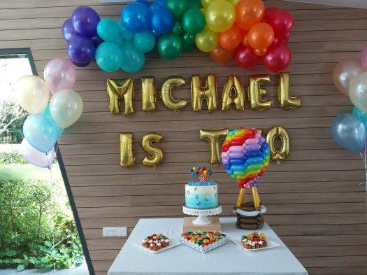 Birthday party rainbow hot air balloon balloon decorations