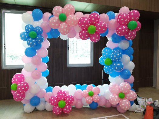 Balloon photo frame for Mother's Day