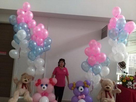 Bear balloon sculpture with helium balloons