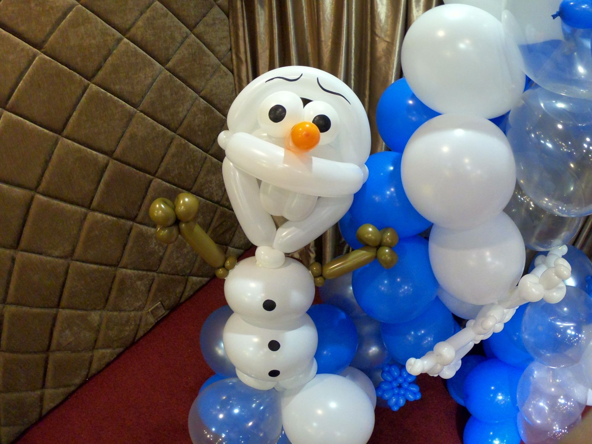, Frozen Theme Balloon Decorations, Singapore Balloon Decoration Services - Balloon Workshop and Balloon Sculpting